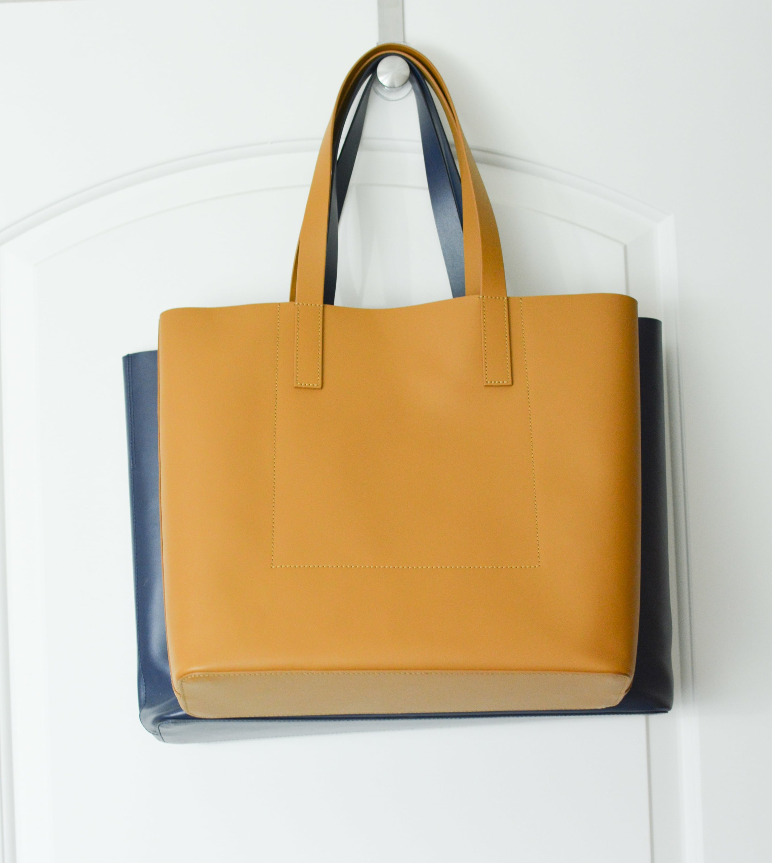 Everlane Square Market Tote Review (2 of 2)-min.jpg