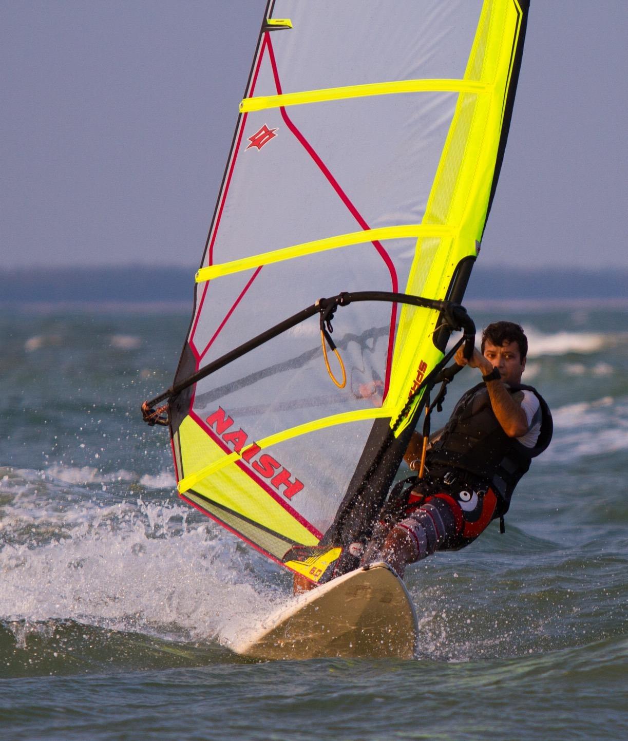 arun-vasu-windsurfing