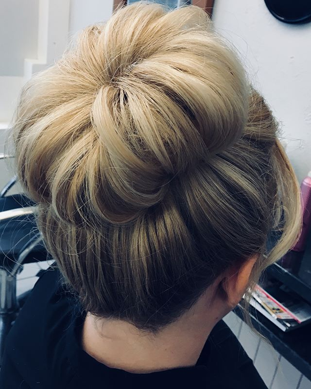 Just trying out some hair up options. Done by Samantha @trimmershairdressers #hairup