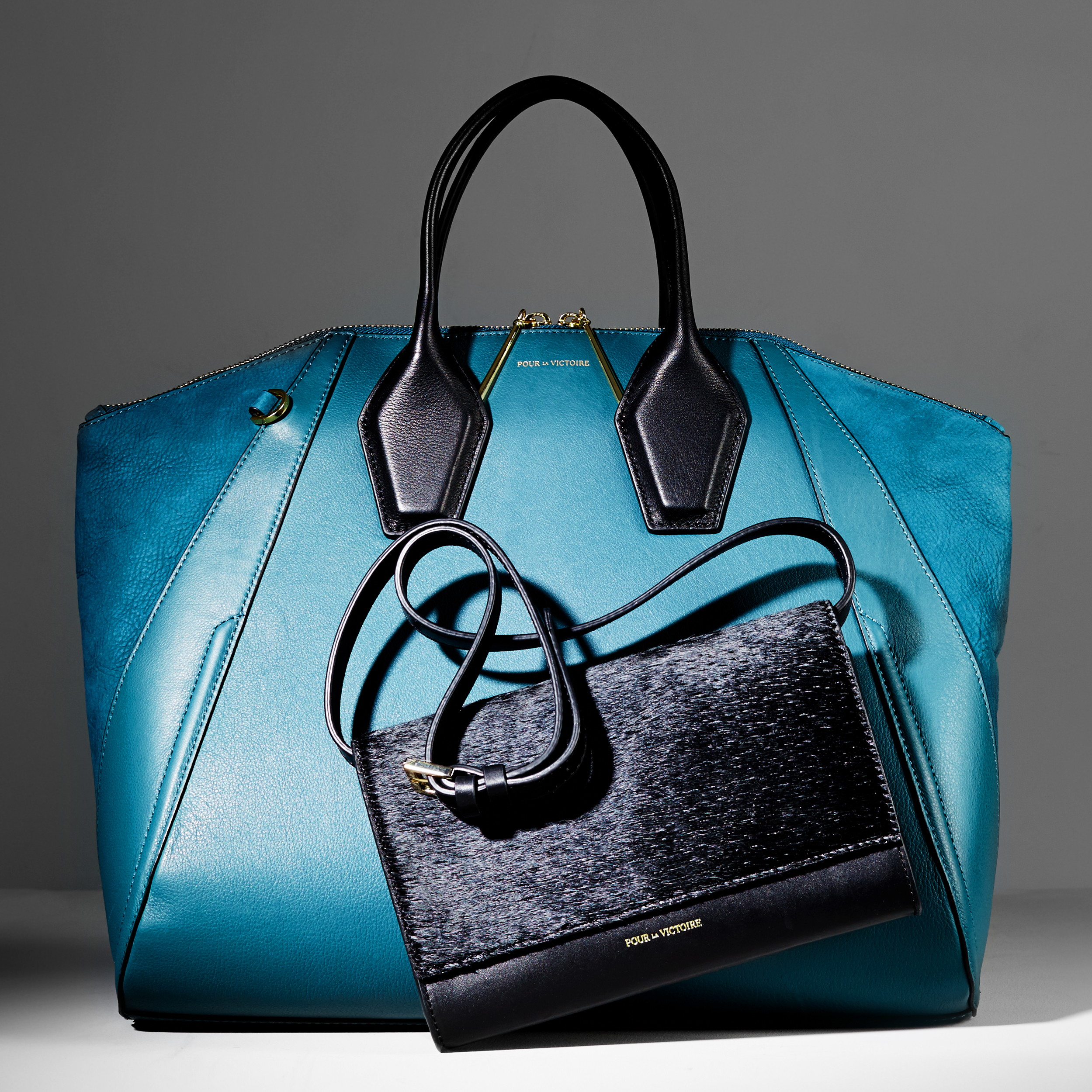 The_Essential_Handbag_feat_Pour_La_Victoire_WACC_1094753124_EDITORIAL_199.jpg