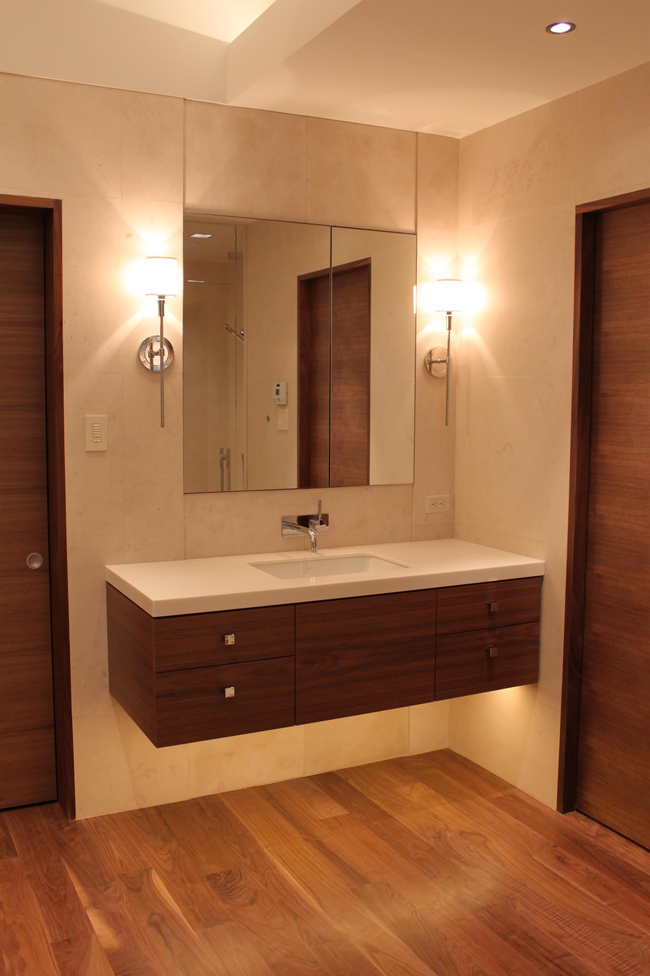 20-Bath 2.JPG