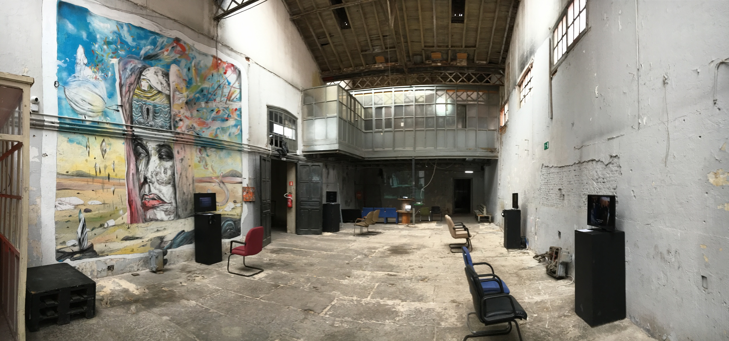 The grungy yet charming exhibition space of La Neomudejar.