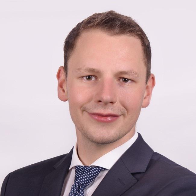 Maximilian Hentschel   Consultant  Finbridge   LinkedIn  |  Xing