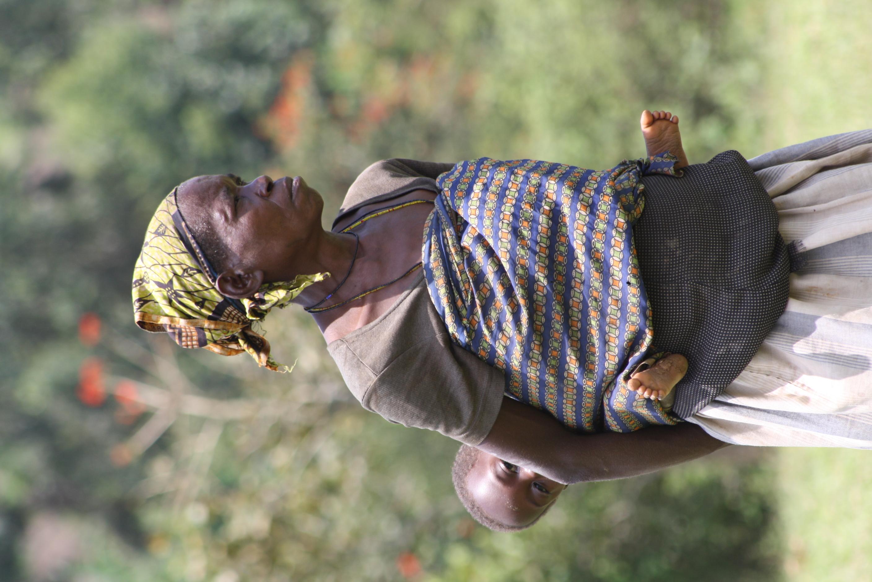 Batwa woman and child, Kanungu, Uganda