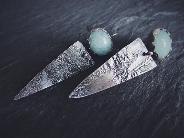 These kinetic earrings are one of my favorites. Amazonite stones and that lovely reticulated silver texture. A great combo! . . . . . #amazonite #reticulatedsilver #silver #earrings #ericafreestone #jewelry