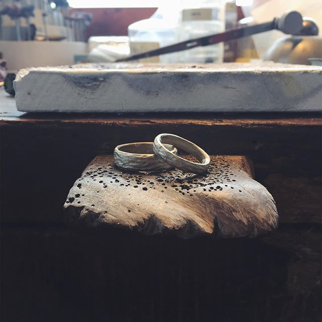 Fresh out of the casting. Working on these bb's today, first clean up then polish then set a bunch of sparkly diamonds. 💍💎💎💎💎💎 . . . . . . . #weddingrings #workinprocess #progressshot #rings #handmadejewelry #jeweler #goldsmith #weddingbands #handmadeweddingrings #ericafreestone