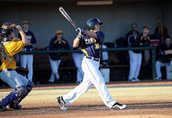 Brett Siddall (Windsor, Ont.) hit his 10th homer as the Canisius Griffs lost 10-9 to the Monmouth Hawks.