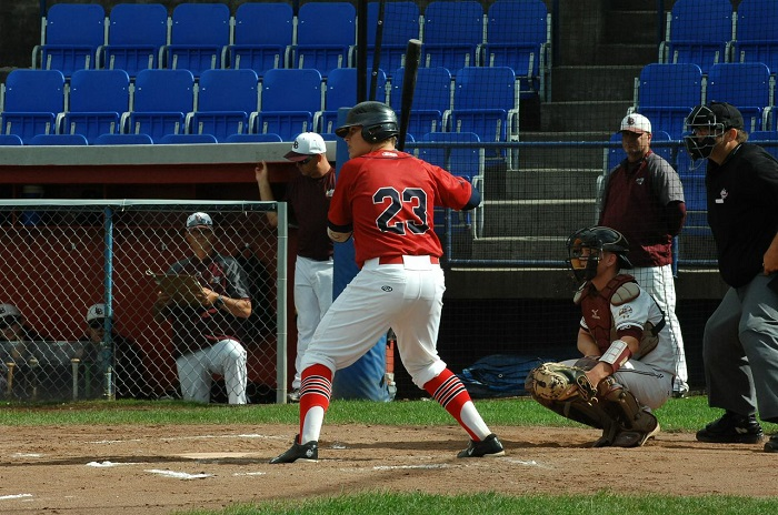 1B EricSabrowski(Edmonton, Alta.) of theSt. Albert Cardinals and the Prospects Academy won the Canadian Baseball Network #OurHomePlate contest with the above photo of the Academy team taking the field … to earn a new glove.