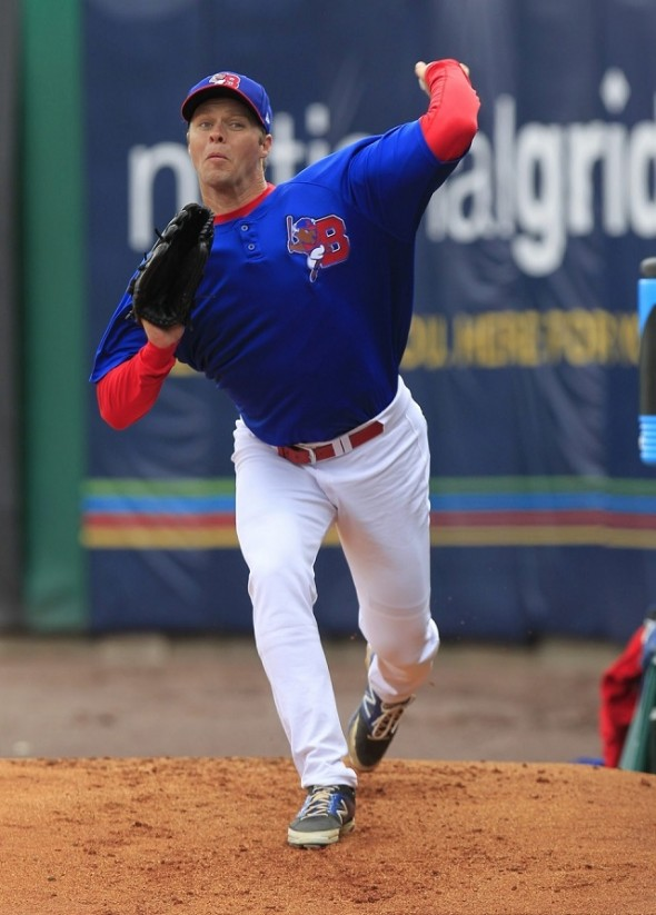 LHP Andrew Albers (North Battleford, Sask.) followed up LHP Randy Wolf's excellent outing for the triple-A Buffalo Bisons pitching seven innings allowing an unearned run as the Bisons were edged 1-0.