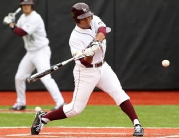 OF Sean Bignallhad three hits, including a double as he knocked in a run for the Mississauga Southwest Twins, 4-1 winners over the Niagara Metros for the second win of the week. Jerome Smith homered twice in the opner, an 8-6 verdict over the Etobicoke Rangers.