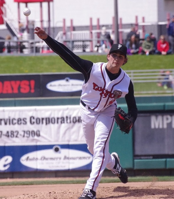 RHP Chase De Jong pitched six innings as the class-A Lansing Lugnuts edged the West Michigan Whitecaps allowing one run on three hits and two walks.