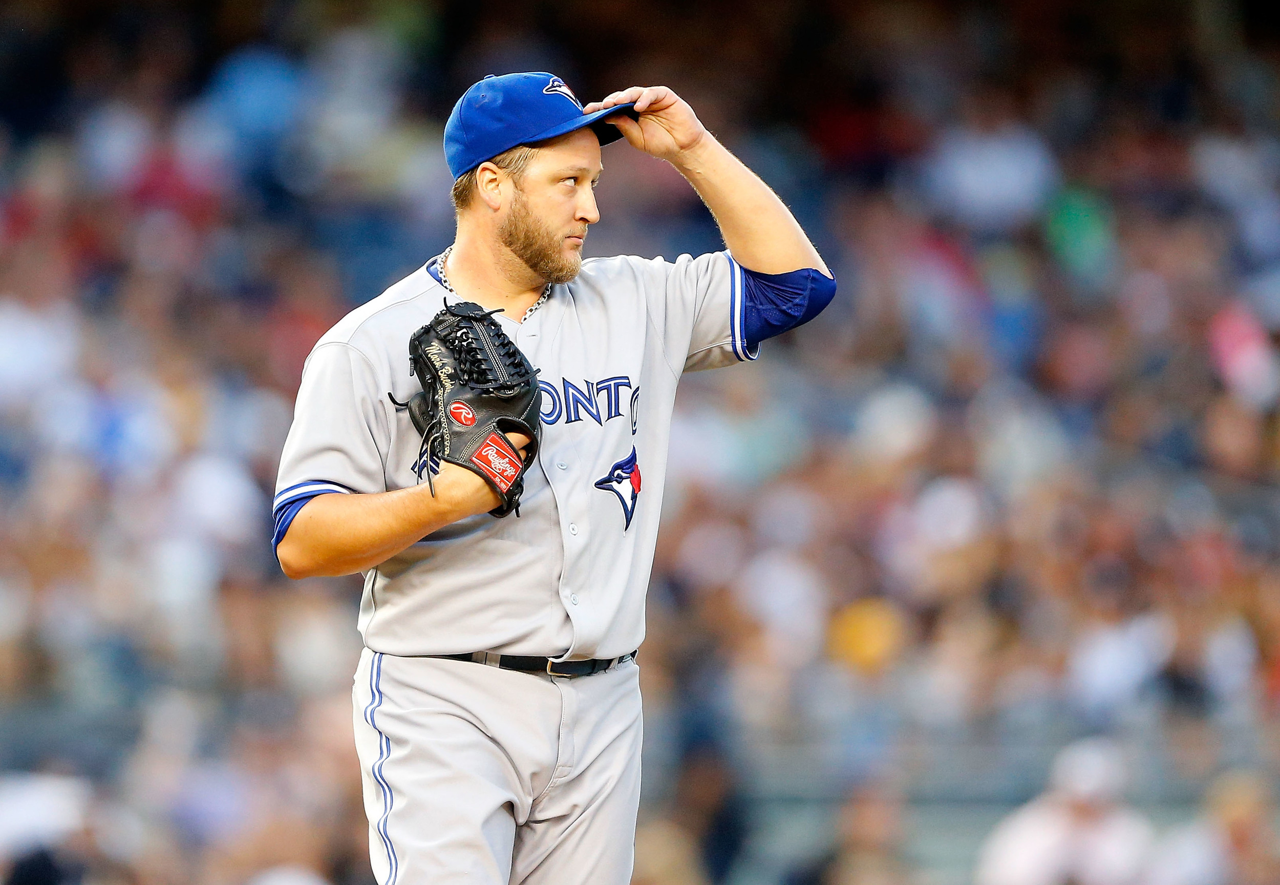 SECTION 108 IS GUILTY OF OVERLOOKING BUEHRLE. BUT HE'S NOT MAKING THAT MISTAKE AGAIN. (PHOTO:JIM MCISAAC/GETTY IMAGES)