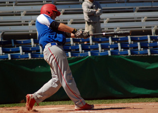 Gibson Krzeminski singled doubled and knocked in a pair of runs for the Windsor Selects against the Ontario Blue Jays as Windsor swept Pool A play with a 3-0 record.