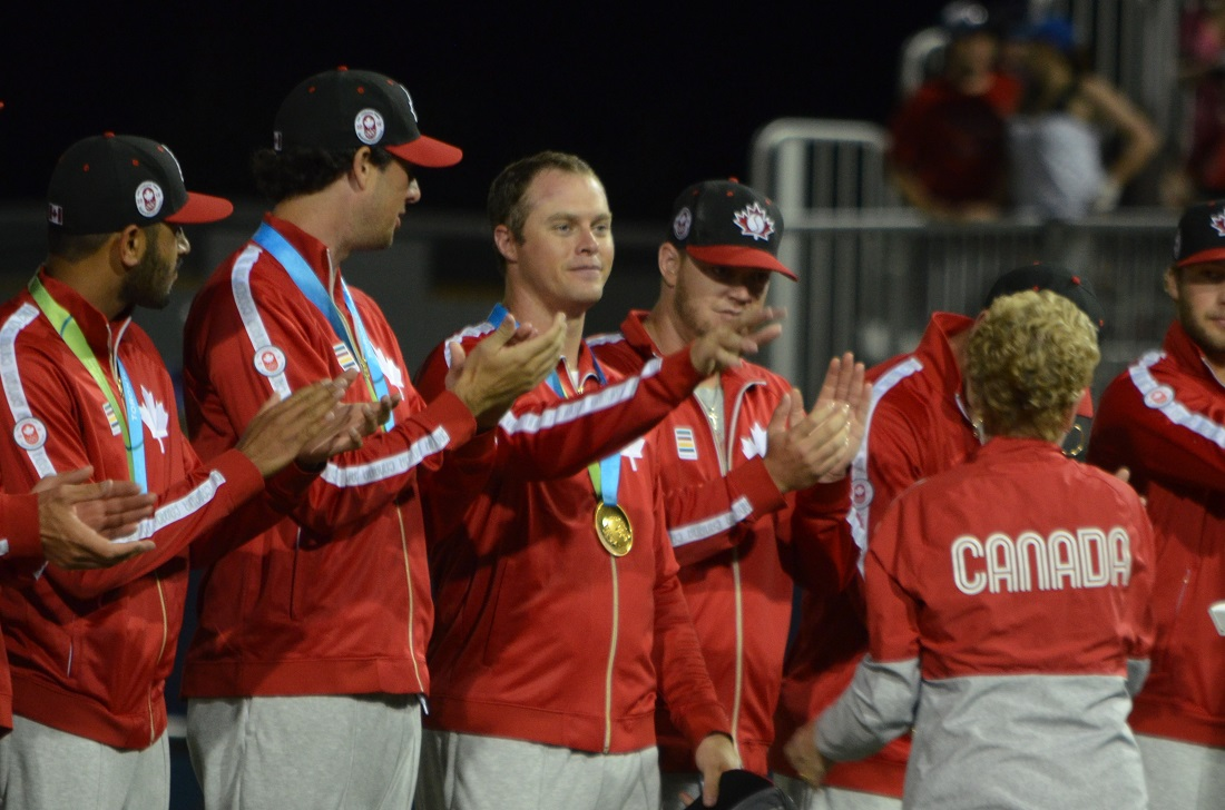 LHP Andrew Albers, without hat, (North Battleford, Sask.) worked two innings as Canada won Pan Am gold over the USA -- just as he was on the mound in the gold medal win in 2011. Photo: Alexis Brudnicki.