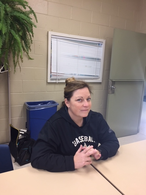 Umpire Lisa Turbitt recently shared her experiences in a discussion about girls' and women's baseball in Canada.