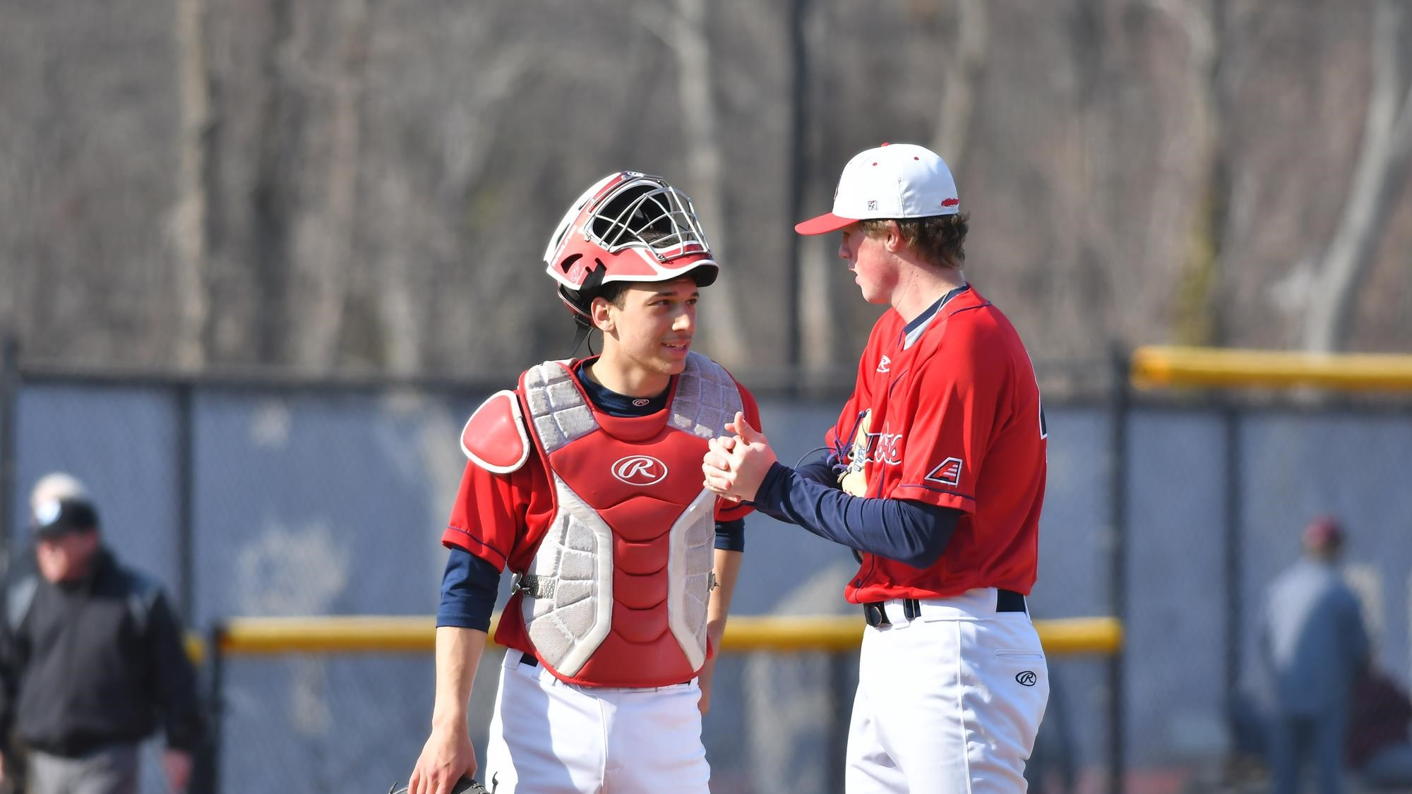 Sam Turcotte (Toronto, Ont.), pictured on the right, had a win and a save for the Stony Brook Seawolves. Photo: Stony Brook Athletics