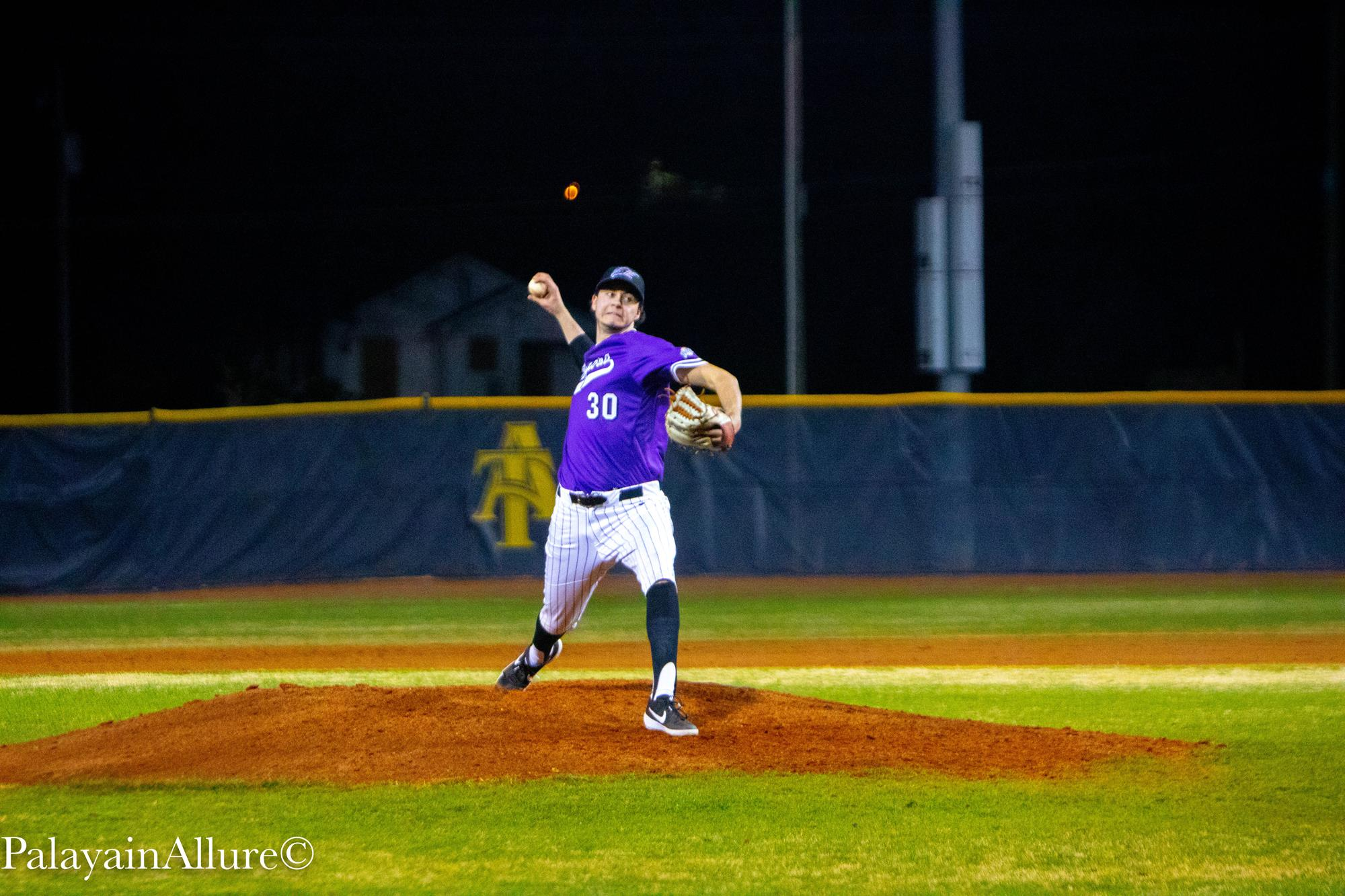Toronto Mets alum Kyle Smyth (Whitby, Ont.) did not allow an earned run in three relief appearances for the Niagara Purple Eagles. Photo: Niagara Athletics