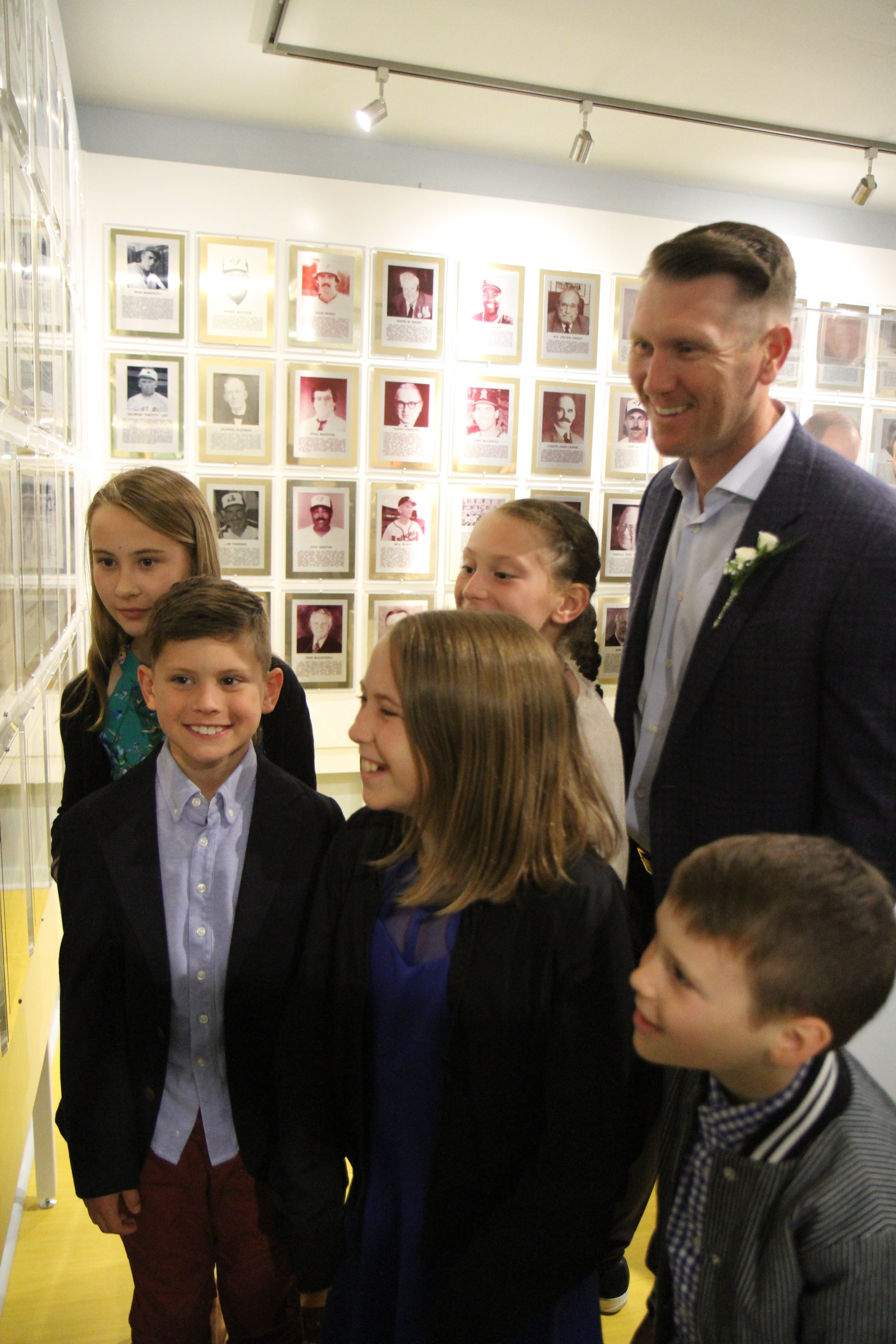 One of the most heart-warming moments of the Canadian Baseball Hall of Fame's induction day last weekend was watching 2019 inductee Jason Bay (Trail, B.C.) interact with his three children and nephews and nieces during the tour that Scott Crawford gave them of the museum. Bay's kids clearly adore him, and this photo snapped by talented Canadian Baseball Network writer J.P. Antonacci is one of my favourites from the weekend. Photo: J.P. Antonacci
