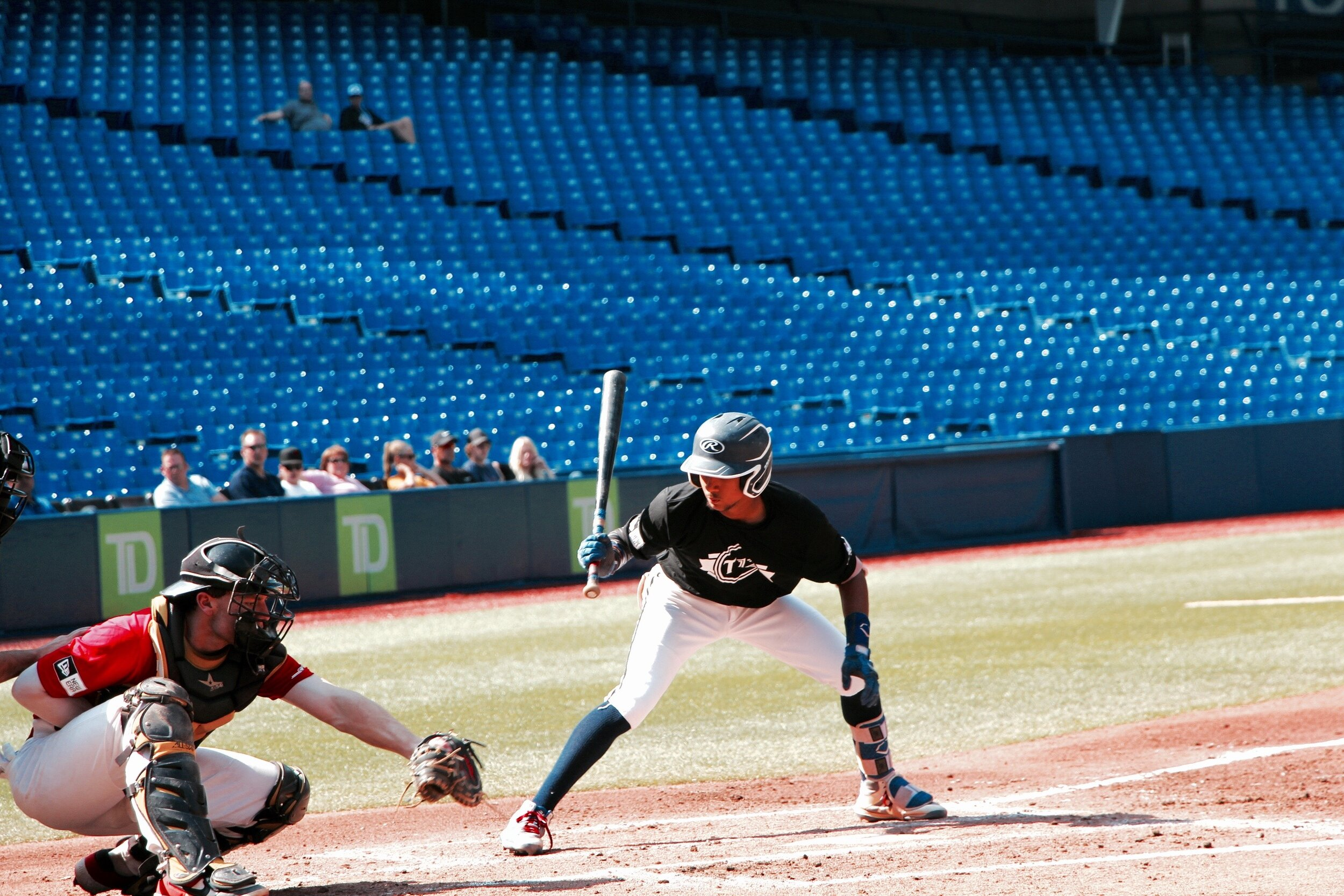 Toronto Mets shortstop Brando Leroux (Markham, Ont.) watches a pitch right into the catcher's game in the T12 Prospects Game on Saturday. Leroux played for Team Roberto Alomar in the contest. Photo: Tyler King