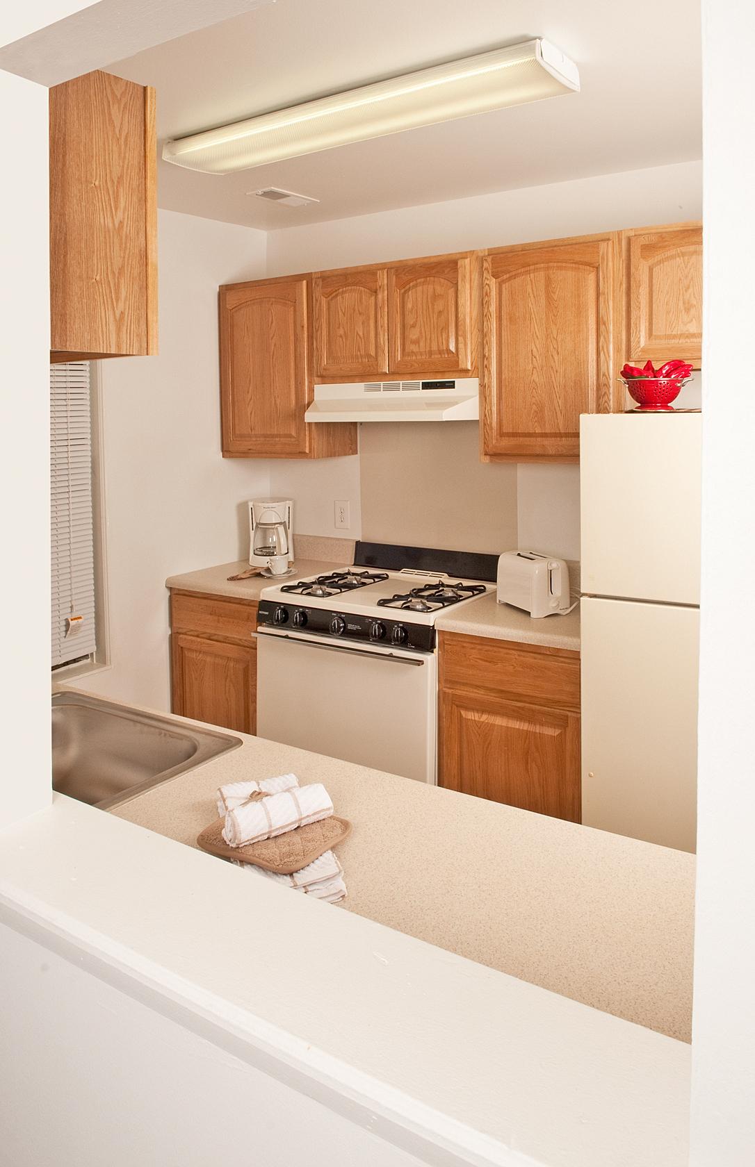 LaurelHill_Kitchen_med.jpg