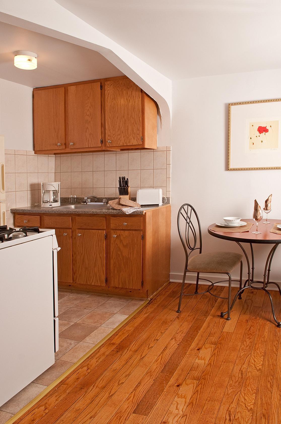 Warner_Kitchen_med.jpg