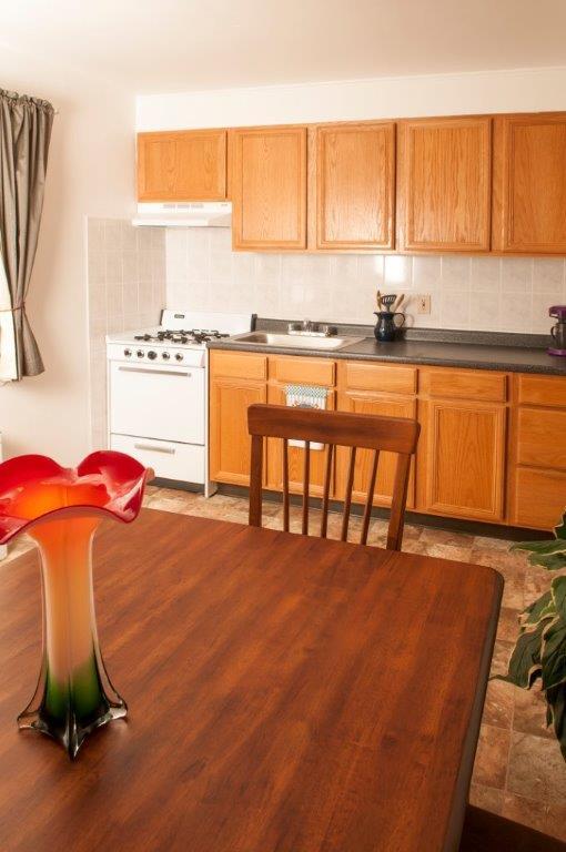 OakmontPark_Kitchen3.jpg