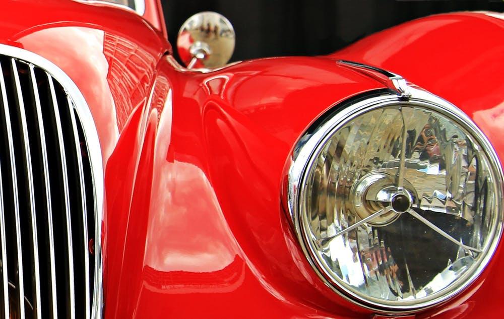 jaguar-oldtimer-red-auto-163224.jpg