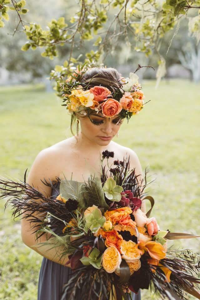 COURTESY OF WANDERLUST PHOTO CO., LA BELLA WEDDINGS, COLLEZIONE FORTUNA BRIDES CARMEL