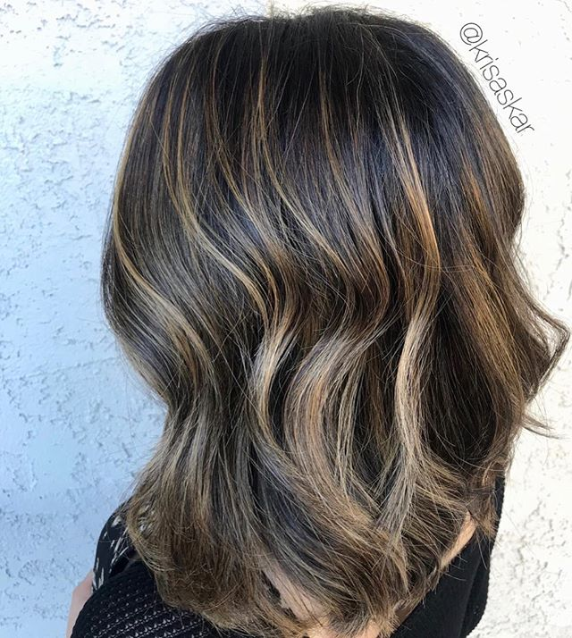 from an almost black natural root to a perfect balance of brightness 🤩 @krisaskar