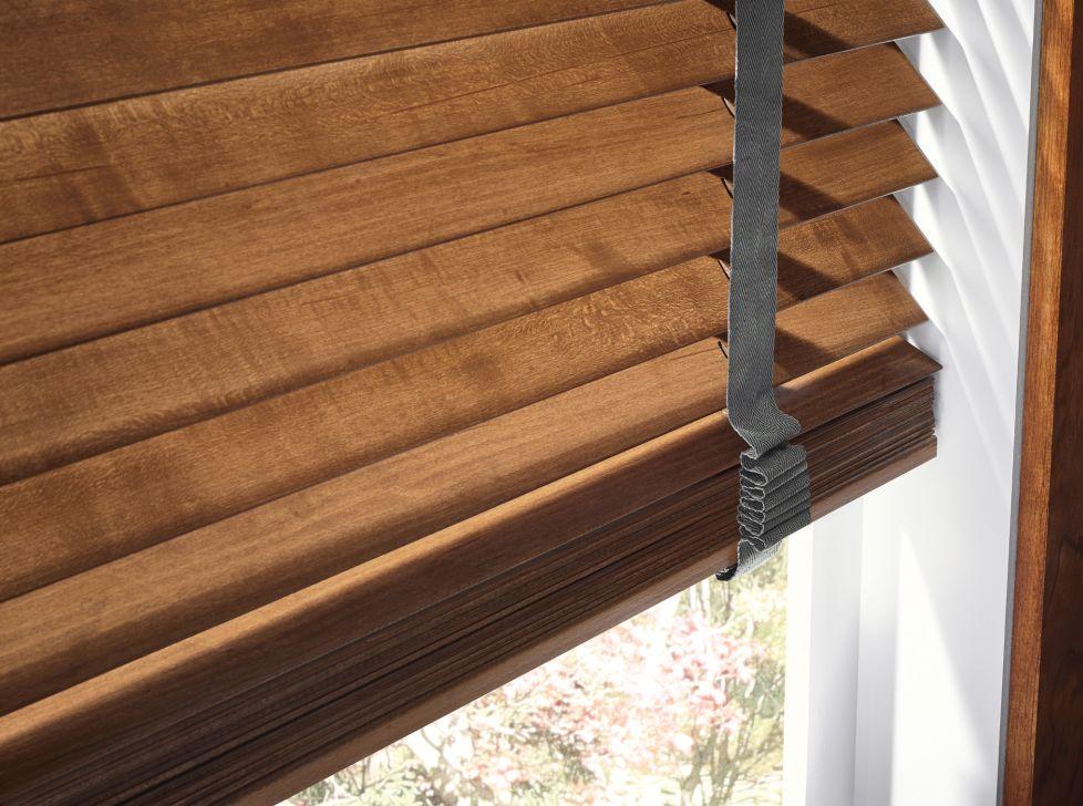 Graber-R1030-Wood-Blinds-CU17-V1[1].jpg