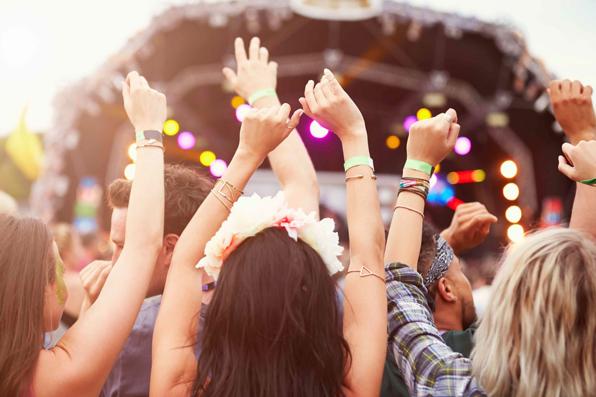 """Entertainment & Events<strong>Descriptive sentence, tagline, or sub-phrase.</strong><a href=""""/area-of-your-site"""">More</a>"""