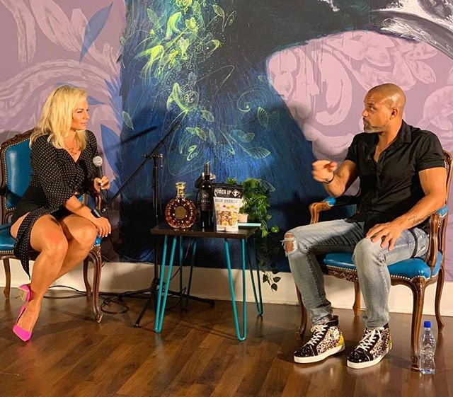 Saturday nights podcast filming with @shaunt was beautiful!  Thank you for being such an inspiration and for positively affecting the lives of so many.  Thank you for bringing your magic to Inhale 🙏  See you tonight for a Sound Healing Meditation with @thewatermagister and tomorrow night Zen Night with @fabcevolution and @inhalerikki ✨  We can't wait to see you 💙