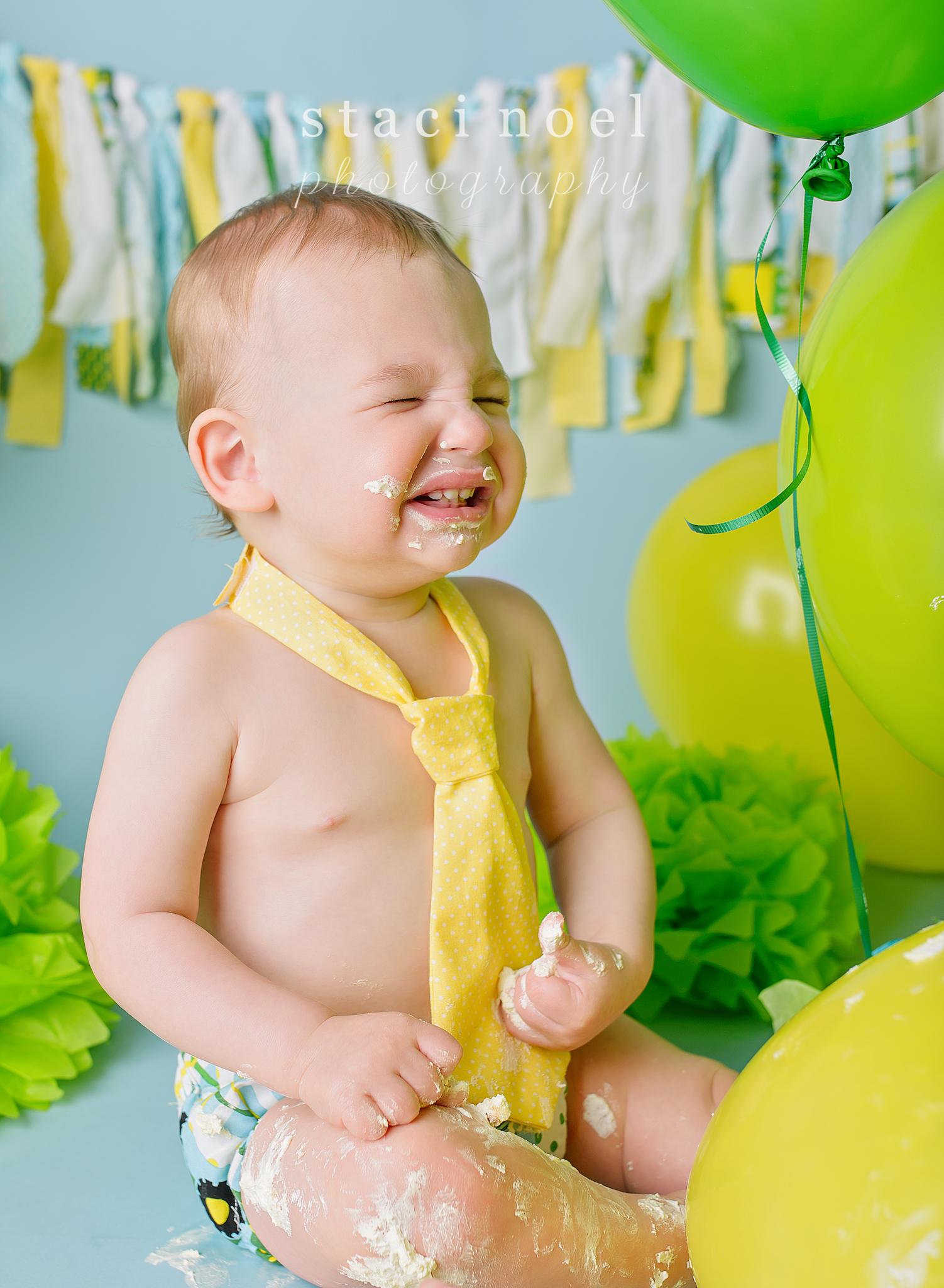 charlotte baby photographer cake smash 9