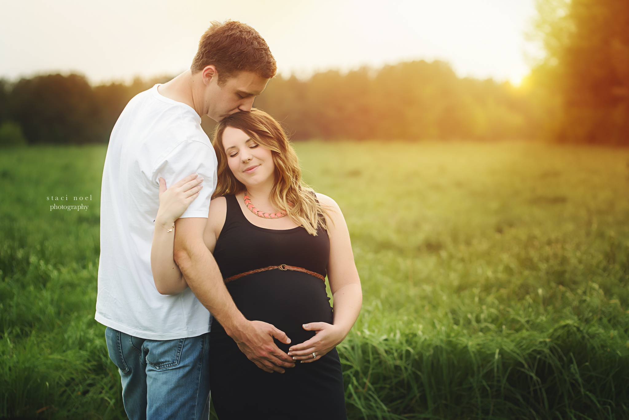 charlotte maternity photographer | outdoor field maternity at sunset