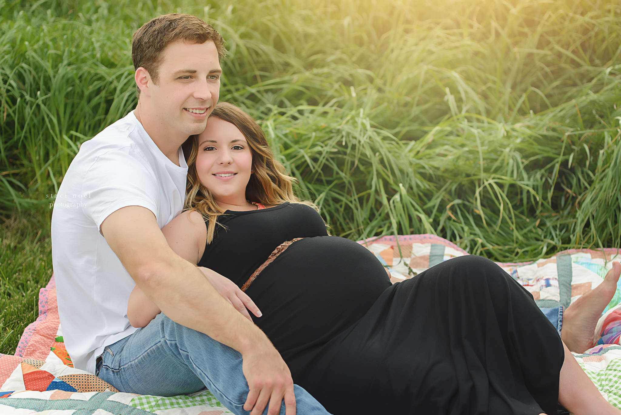 charlotte maternity photographer | outdoor field maternity