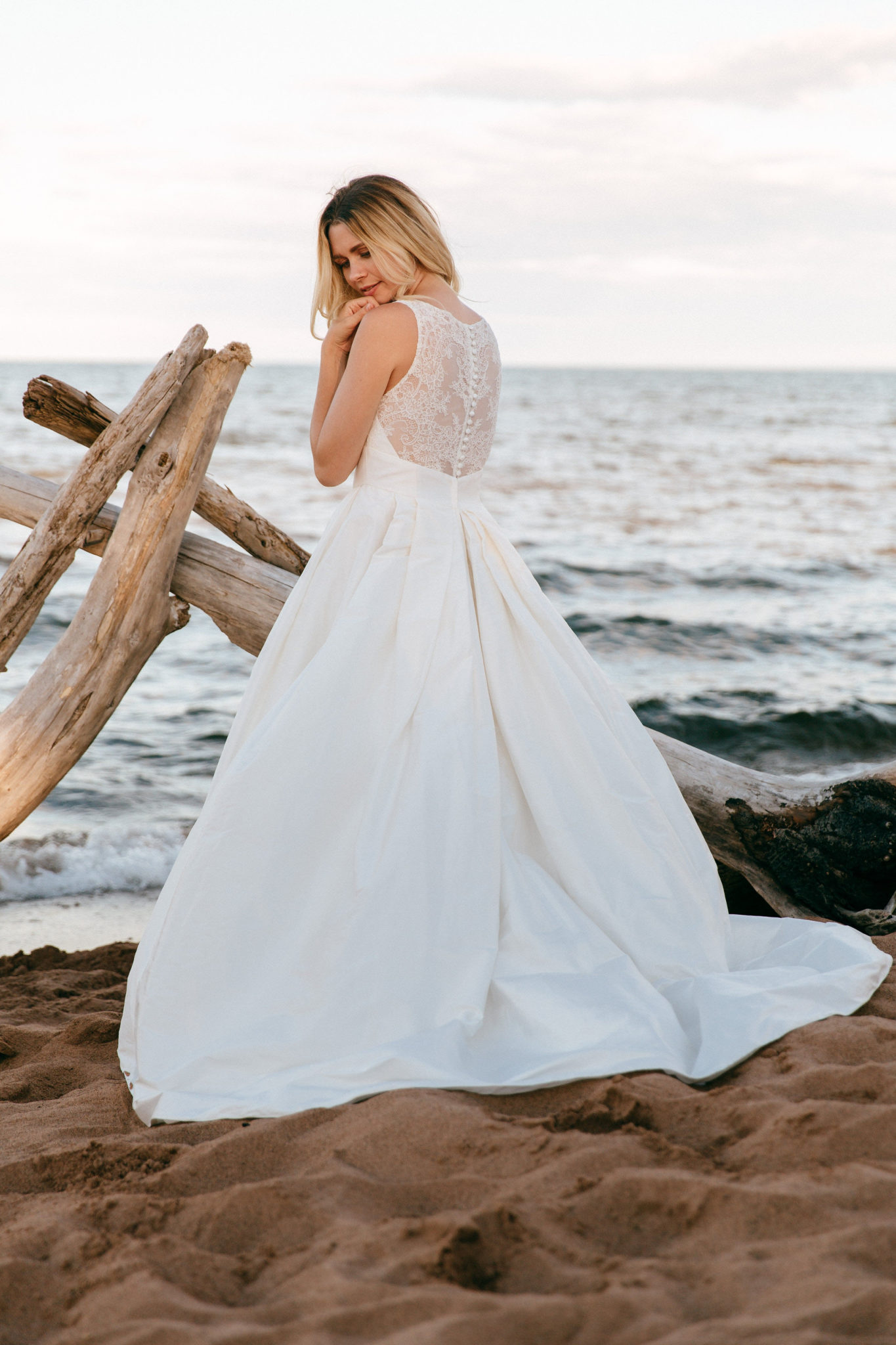 Pictured : Cherish Gown by Lea Ann Belter, Astrid & Mercedes Collection