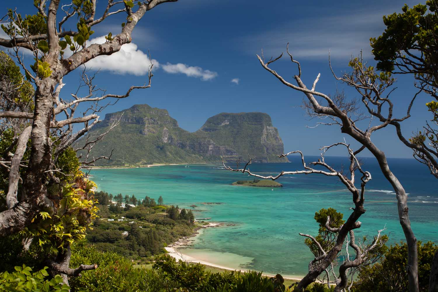 Lord Howe Montains.jpg