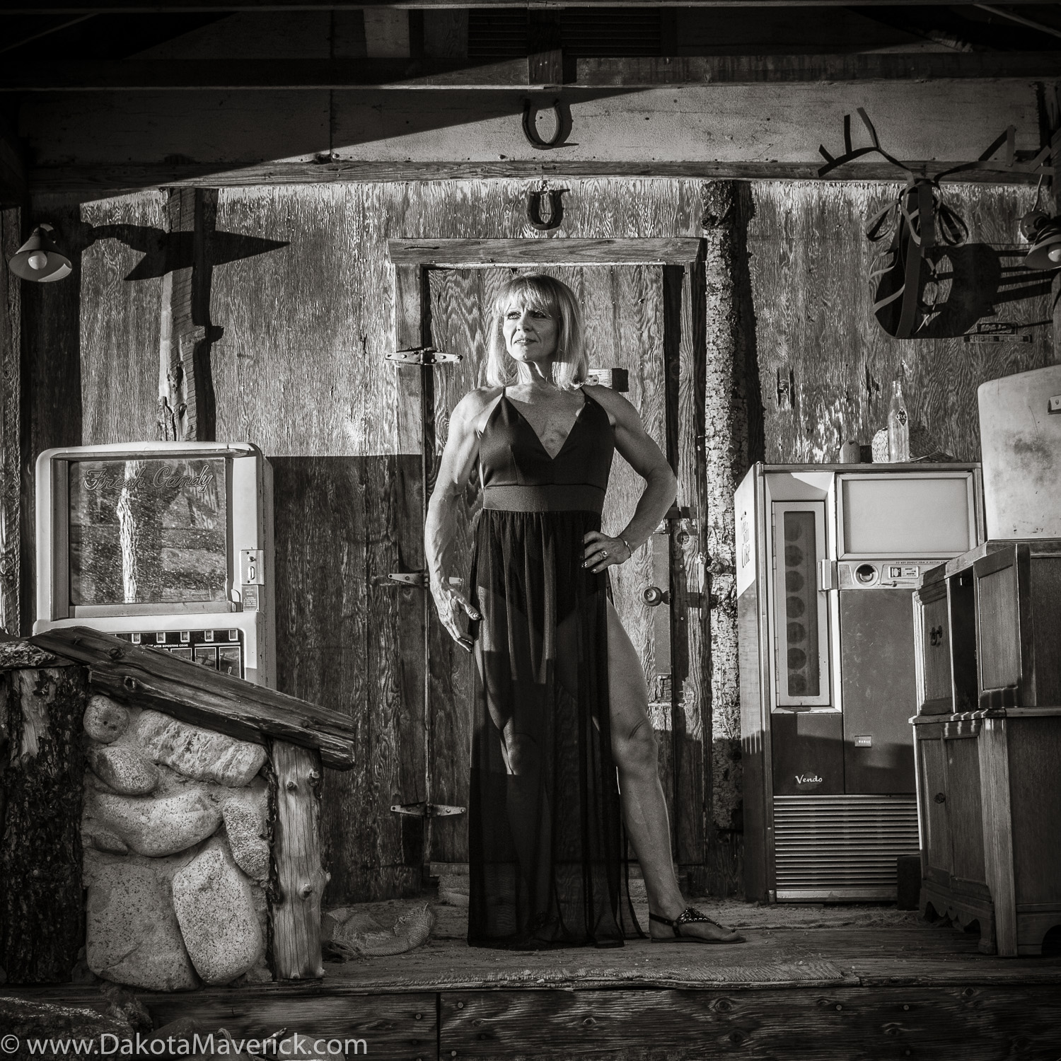 Vancouver Fitness Photographer - Nelson Ghost Town, Nevada - Fashion Fitness Shoot (12 of 40).jpg