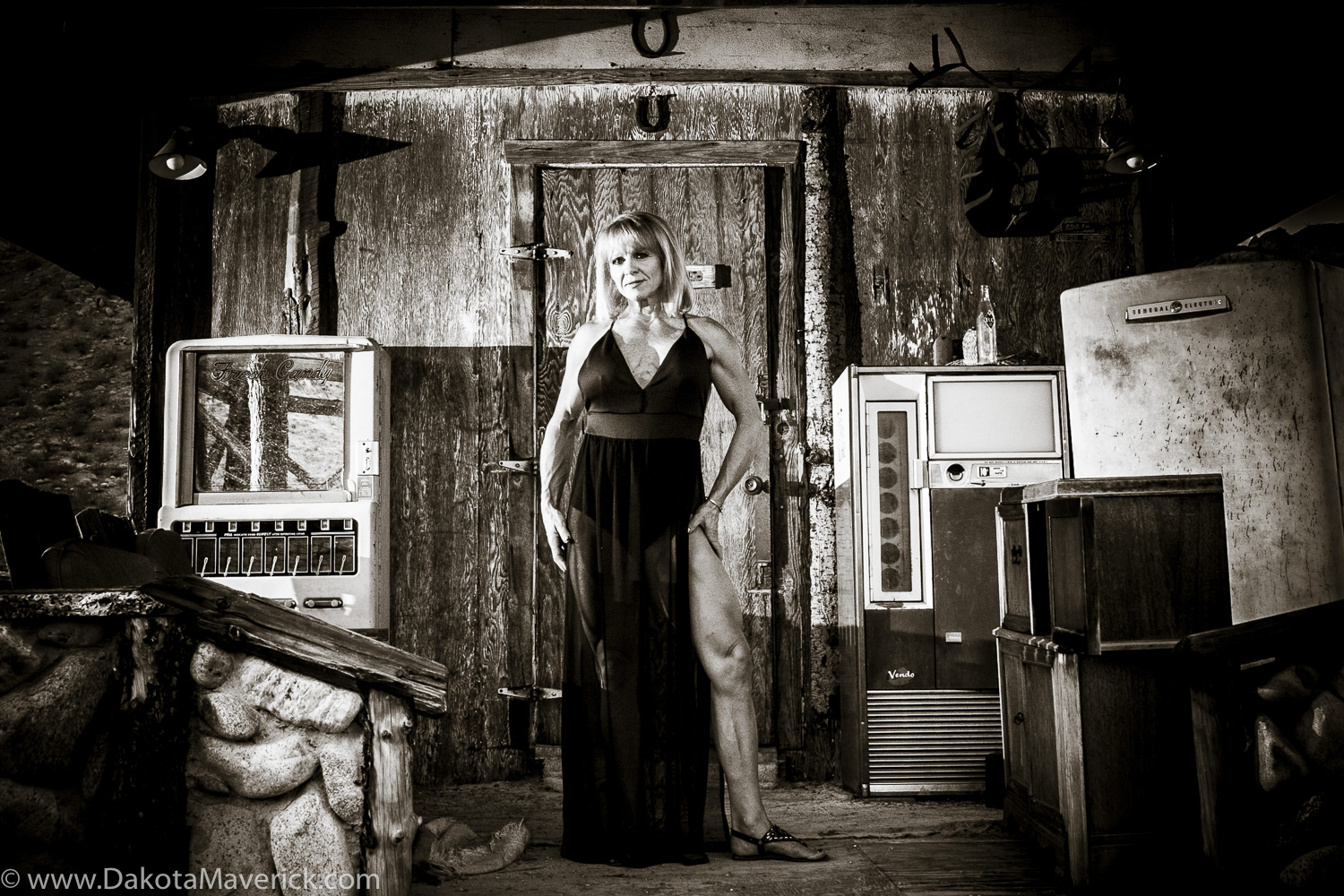 Vancouver Fitness Photographer - Nelson Ghost Town, Nevada - Fashion Fitness Shoot (36 of 40).jpg