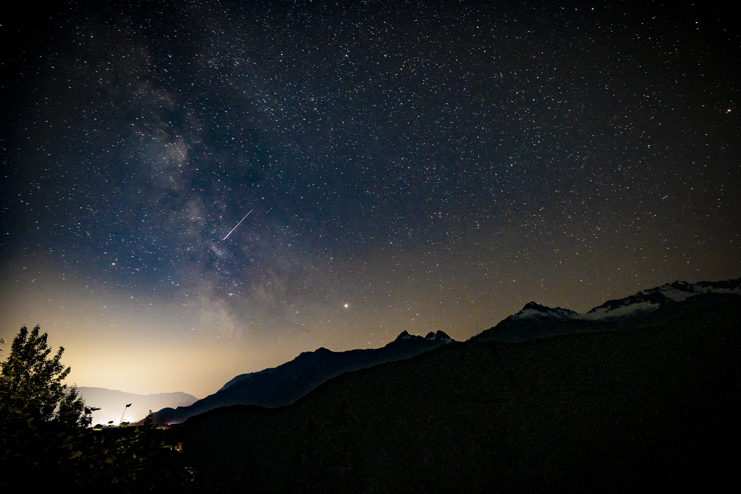 Milky Way and Perseid Meteor Shower from the Tantalus Lookout (001 of 3).jpg
