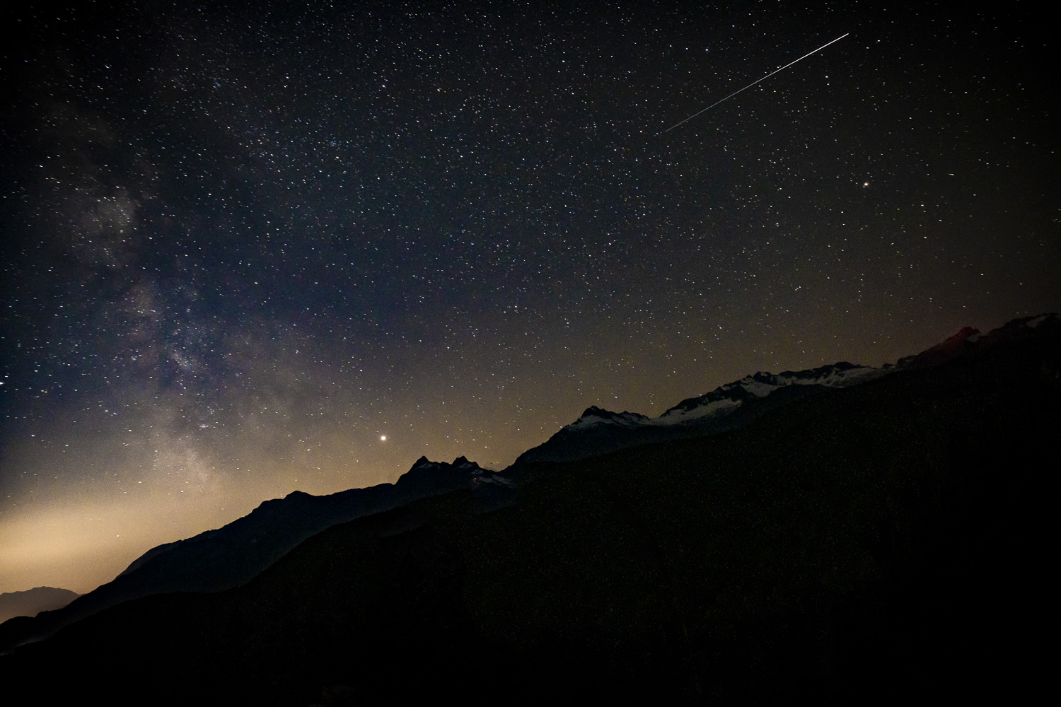 Milky Way and Perseid Meteor Shower from the Tantalus Lookout (003 of 3).jpg