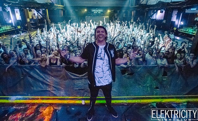 My last gig of 2018 comes during an extremely symbolic moment in my music career.  Dec 27th Ill be closing out @elektricitymusic foam show, you're gonna want to snag tickets in my BIO because last time @dehko.official @salsa_detroit and I sold out 👀 I've been diligently working to bring on the next phase of life as a performer, and this show is going to be the perfect place to begin to unveil what i've been working so hard on.  Oh, also I'm getting a booth for anyone who uses my ticket link so HMU 🖤🍾 📸@elitecr2