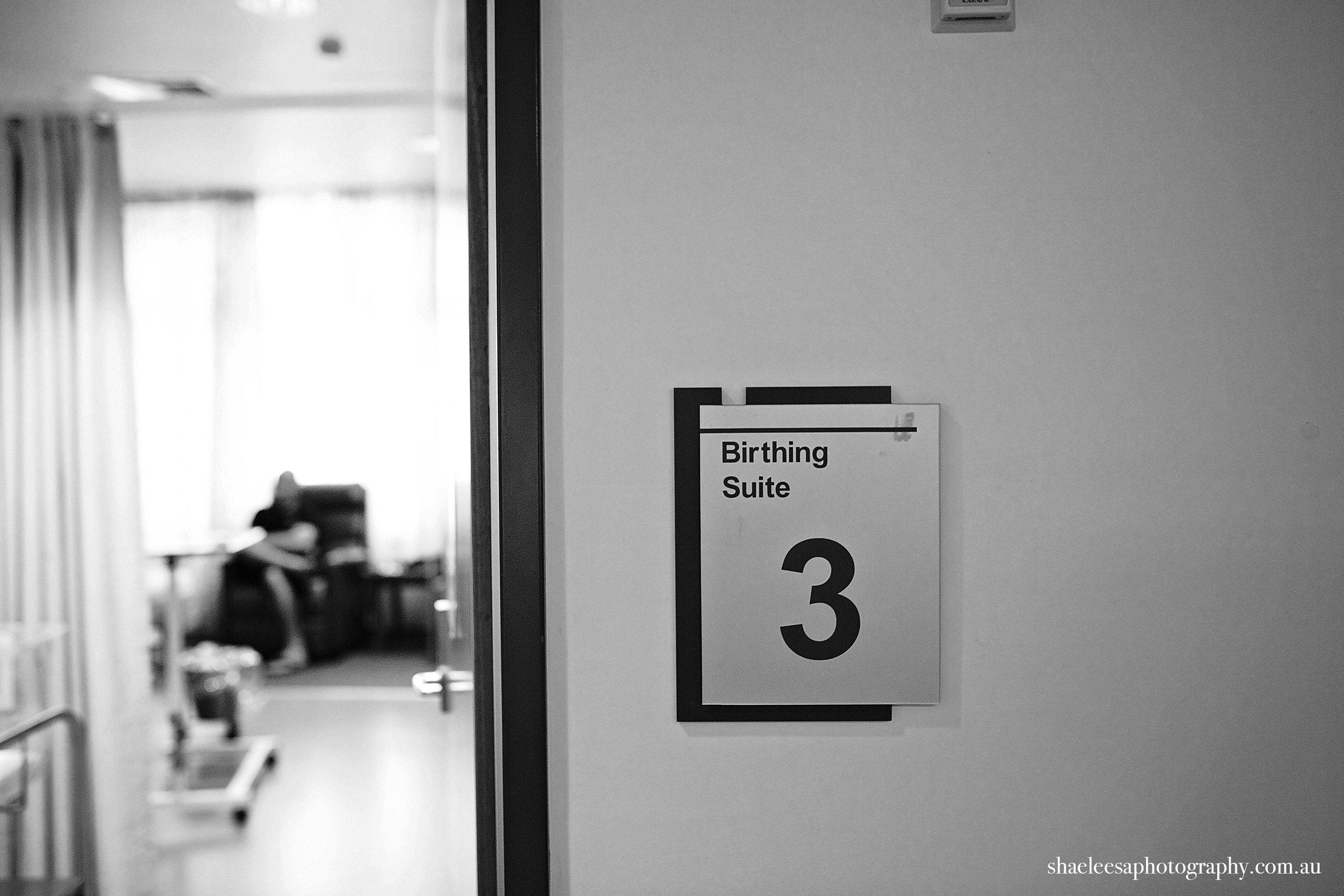 NeiblingBIRTH_002_ShaeLeesaPhotography_B&W.jpg