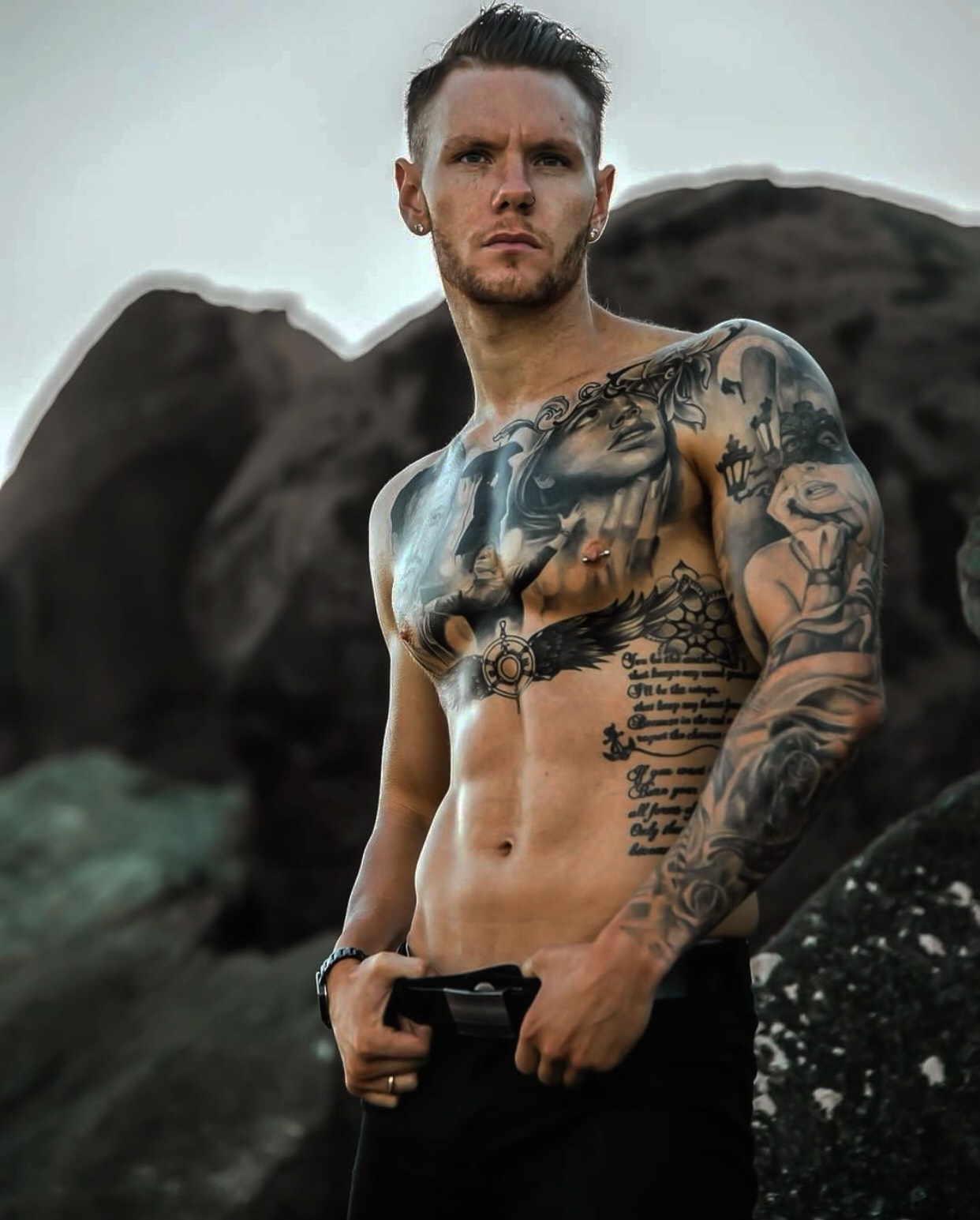hire and book a sexy tattooed male stripper or topless waiter for gold coast region