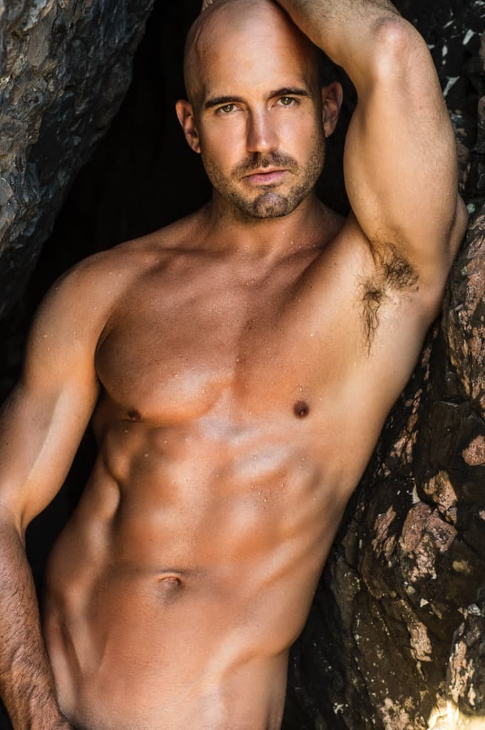 Hire a male stripper for your hens party in gold coast.