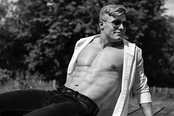 male strippers in broadbeach