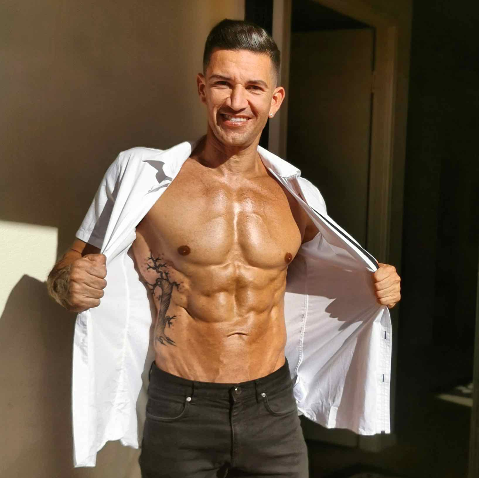 South BRisbane topless waiters for hire, male waiters in brisbane, hens party bookings available.