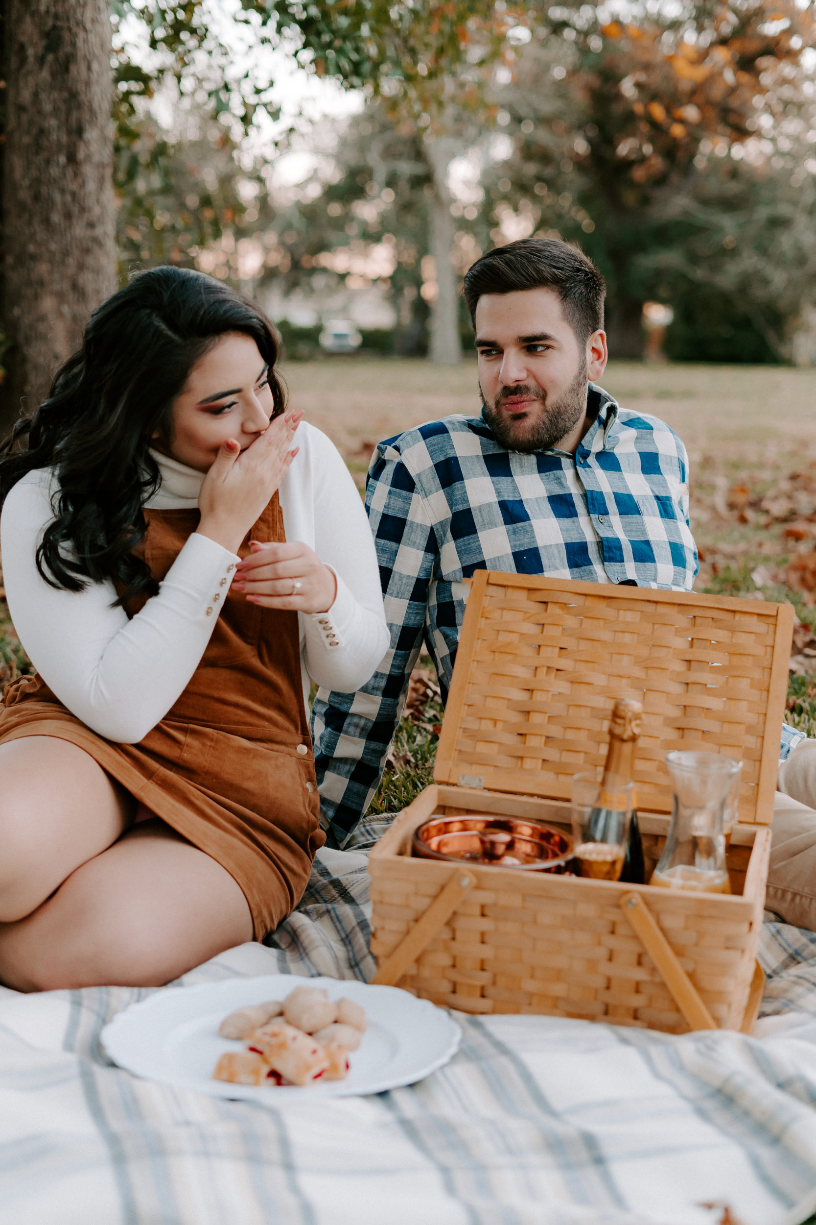 lake-charles-photography-engagements-intimate-session17.jpg