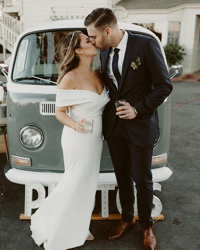I feel like SD is the land of cute VW bugs and every time I see one I have the urge to leave a note on the window asking if I can rent it for a photo shoot haha but I can't help it they're so cute!! I refrain (at least for now) so instead I'm reminiscing on this cute photo booth from a wedding last year . . . . #sandiego #sandiegowedding #vwbug #photobooth #vwphotobooth #sandiegoweddingphotographer #sanmarcos #firstkiss