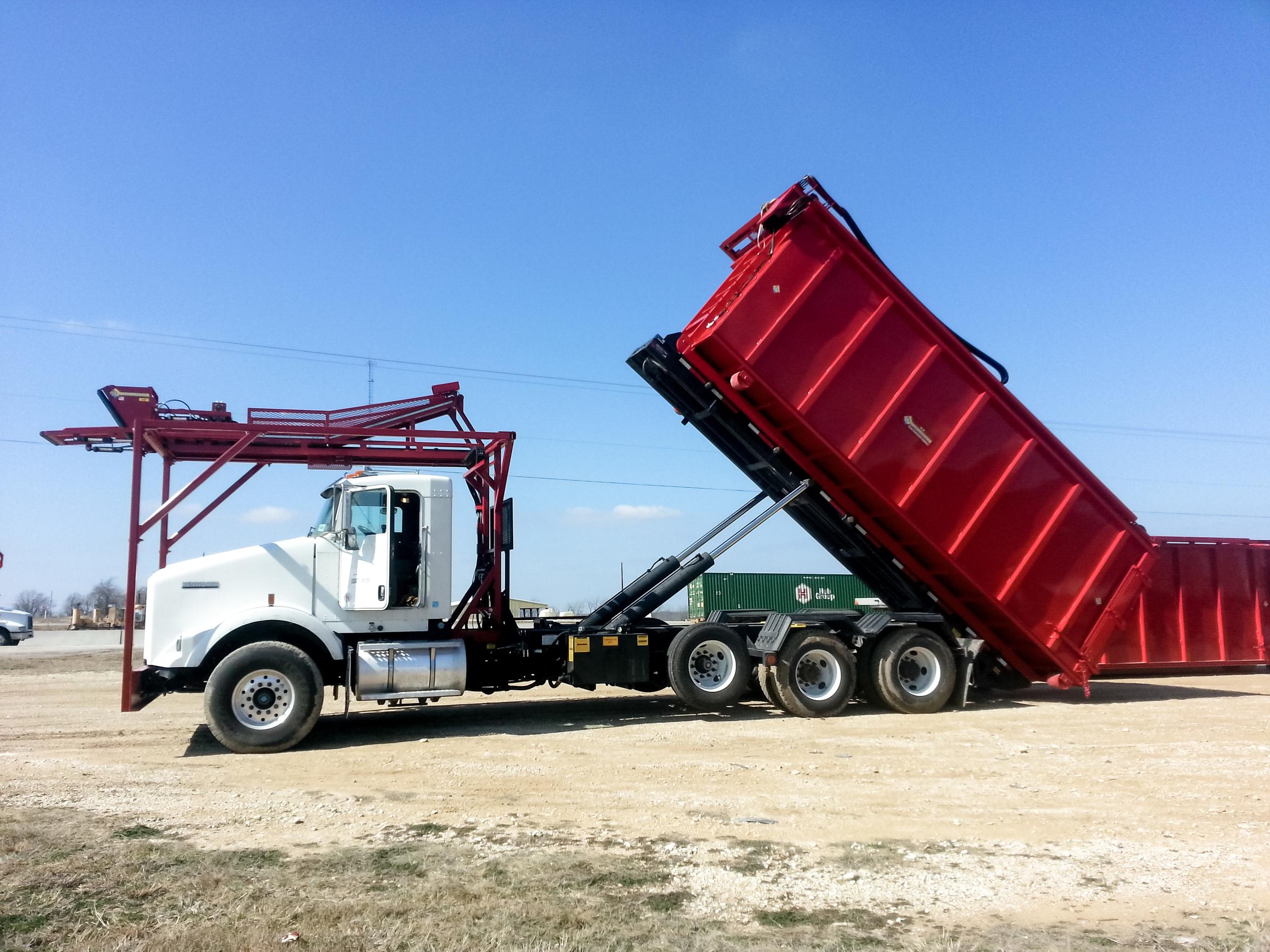 The Hose Mule Truck & Trailor 5.jpg